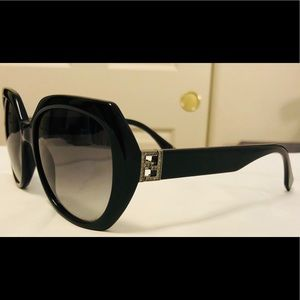 EUC Black Fendi Sunglasses FF 0047/S